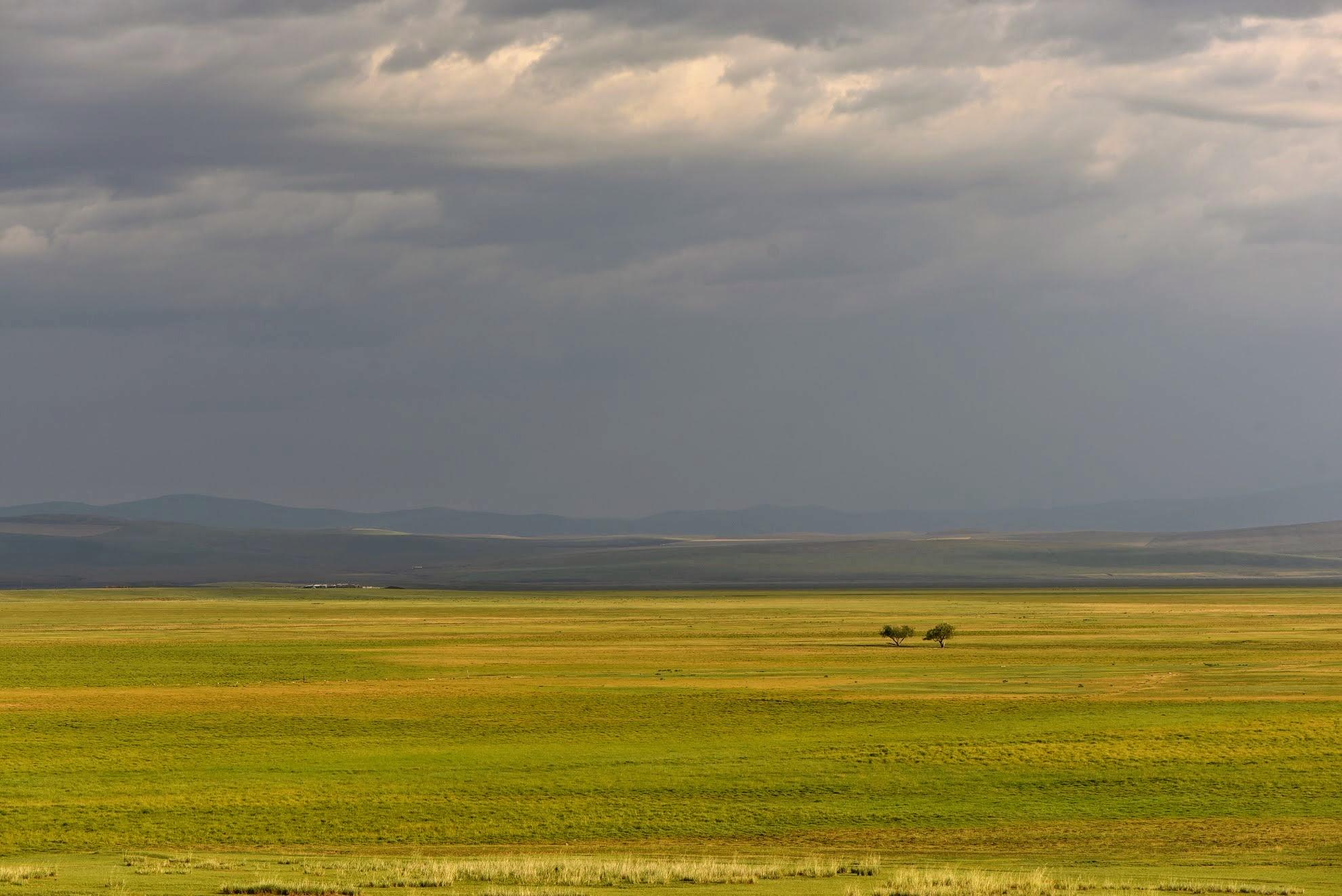 Тугнуйская долина вблизи с. Харьястка